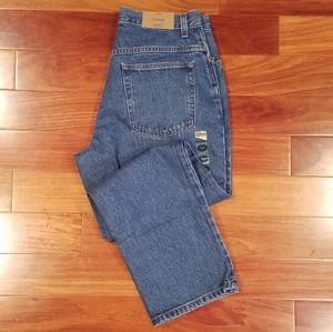 Relaxed Fit Petite Jeans